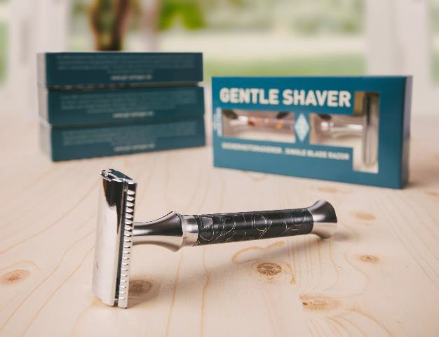 Timor Gentle Shaver Black Open Comb